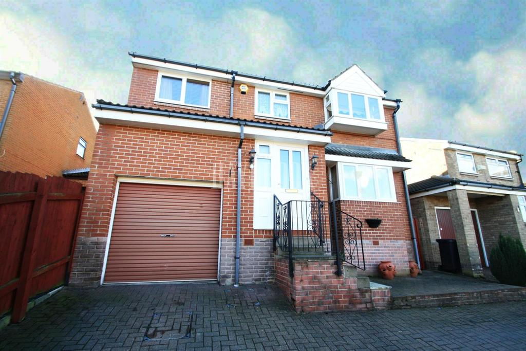 5 Bedrooms Detached House for sale in Little Matlock Gardens, Stannington