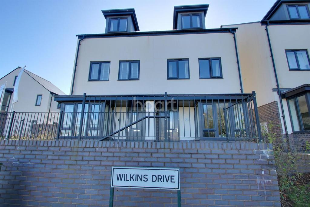 3 Bedrooms Semi Detached House for sale in Wilkins Drive, Paignton
