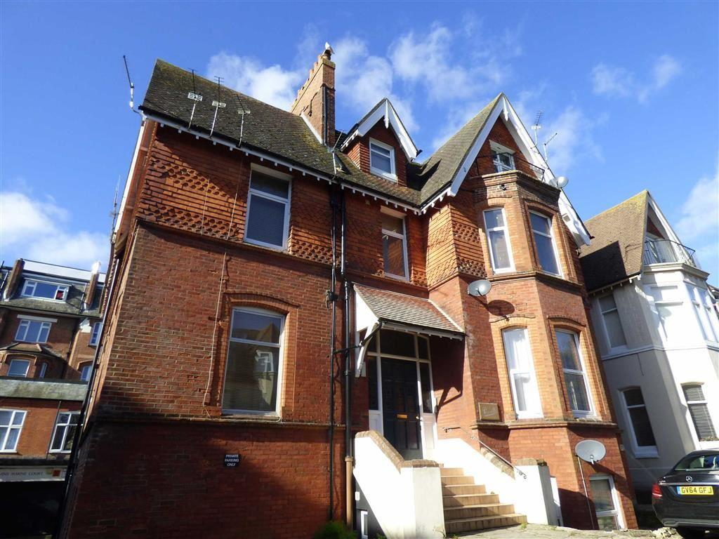 2 Bedrooms Flat for sale in West Cliff Gardens, West Cliff, Bournemouth, Dorset, BH2