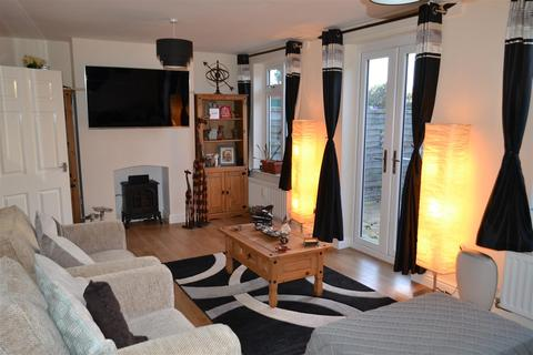 3 bedroom semi-detached house to rent - North Street, Burntwood