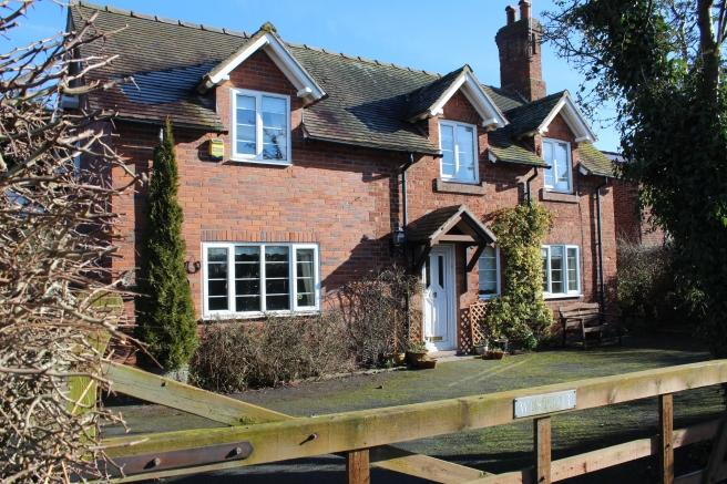 4 Bedrooms Detached House for sale in 68 Back Lane, Tibberton, Newport, Shropshire, TF10 8NX