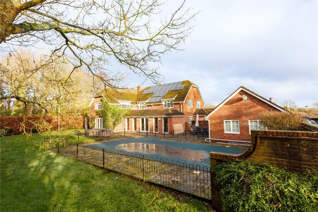 4 Bedrooms Detached House for sale in Holtwood, Holt, Wimborne, Dorset