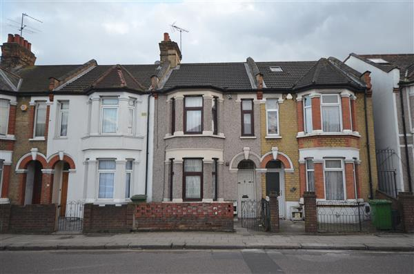 2 Bedrooms Apartment Flat for sale in Green Lane, Ilford
