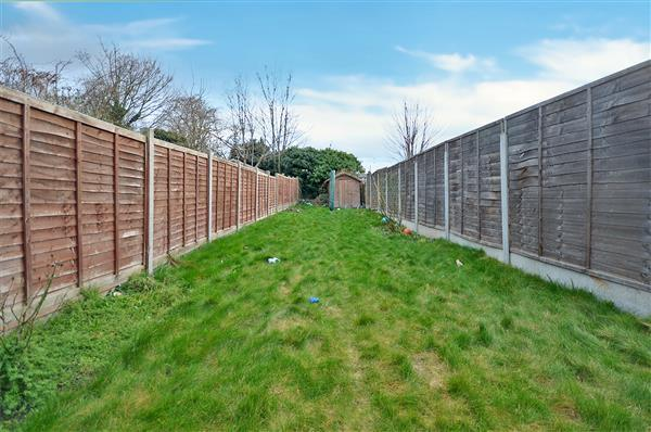 2 Bedrooms Apartment Flat for sale in Green Land, Ilford