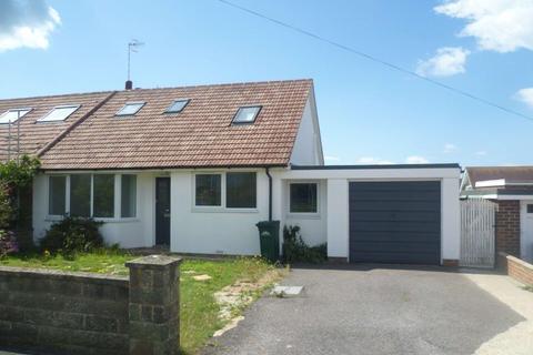 4 bedroom semi-detached bungalow to rent - Grassmere Avenue , Telscombe Cliffs, Peacehaven, BN10 7BZ
