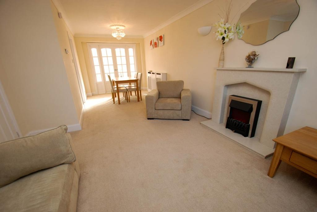 3 Bedrooms Terraced House for sale in Ainsworth Avenue, South Shields