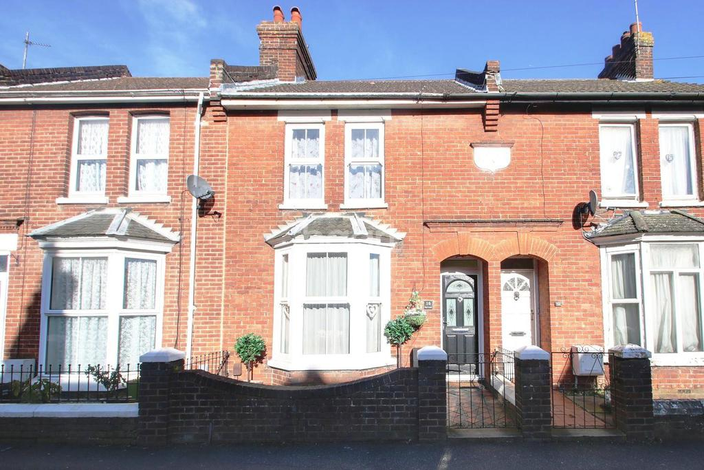 2 Bedrooms Terraced House for sale in Kent Avenue, TN24 8NQ