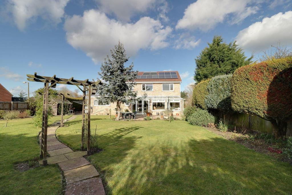 4 Bedrooms Detached House for sale in Brandon Road, Thetford