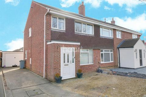 3 bedroom semi-detached house for sale - Lynden Avenue, Gonerby Hill Foot, Grantham