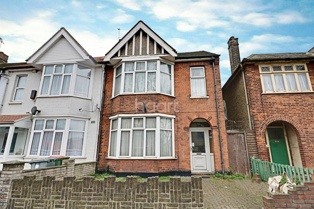 3 Bedrooms Semi Detached House for sale in High Street South, East Ham