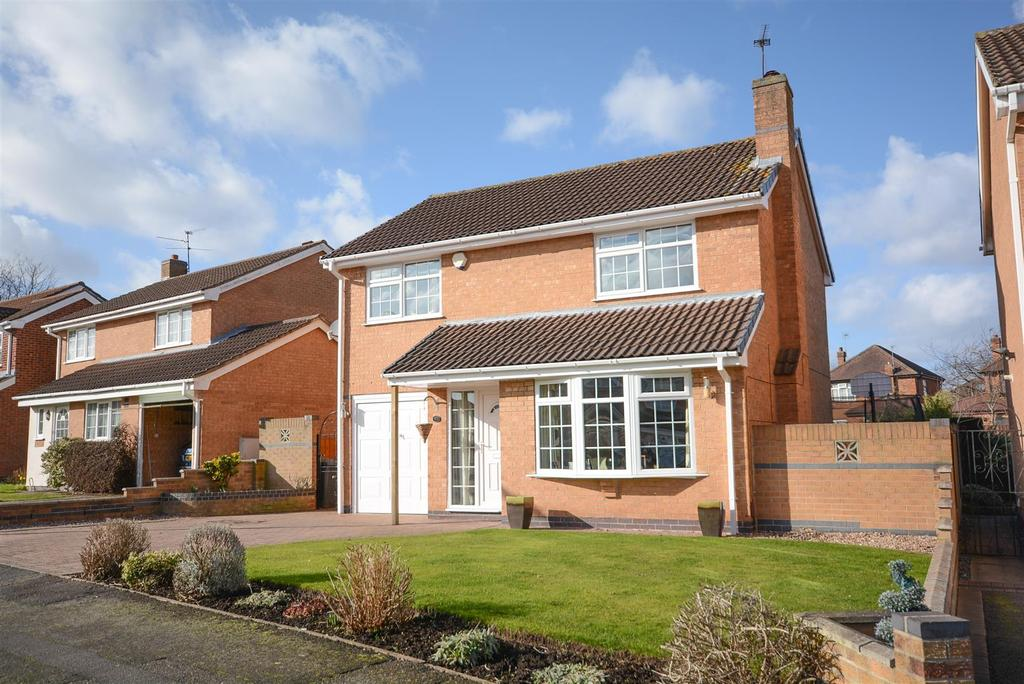 4 Bedrooms Detached House for sale in Wentworth Way, Edwalton, Nottingham