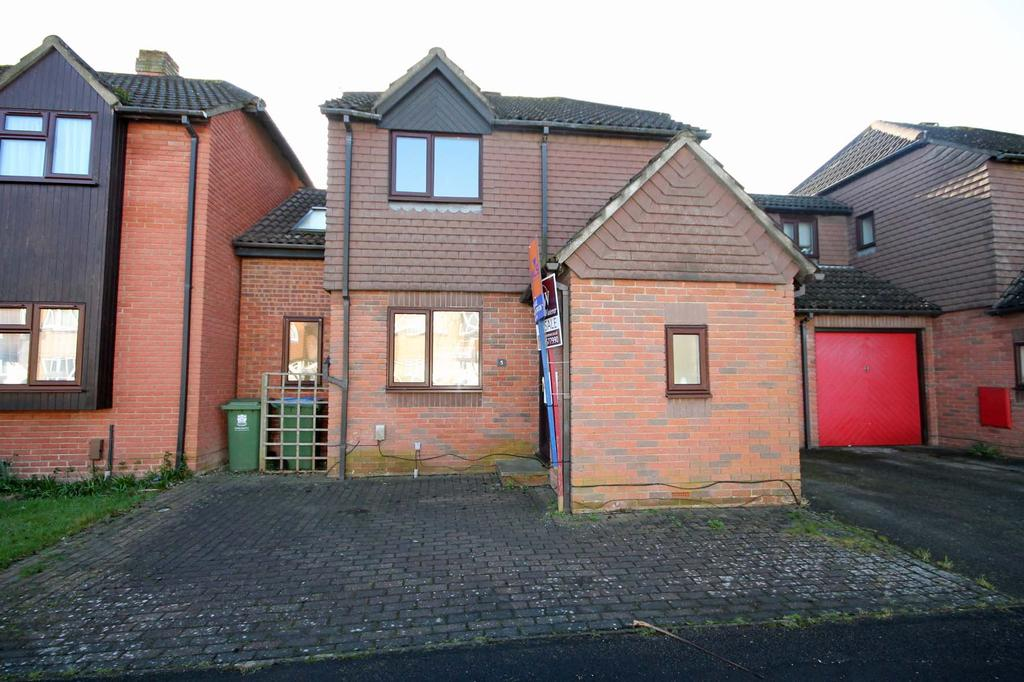 4 Bedrooms Semi Detached House for sale in Bishops Gate, Titchfield PO14