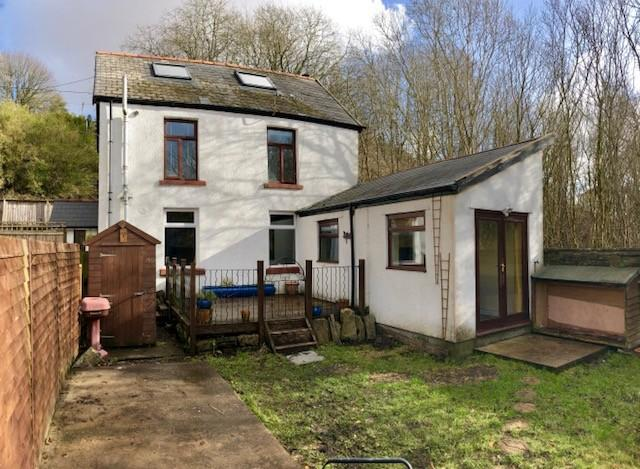 3 Bedrooms Detached House for sale in Station Terrace, Nantyglo, Gwent