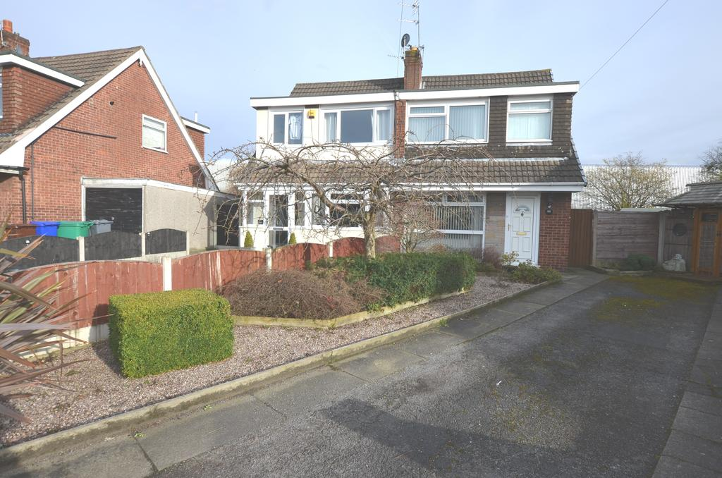 3 Bedrooms Semi Detached House for sale in Tottenham Drive, Baguley, Manchester M23