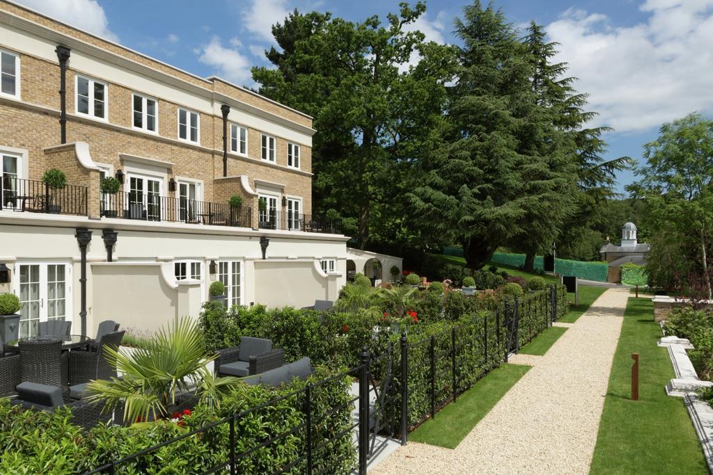 4 Bedrooms Terraced House for sale in Repton Court Sundridge Park BR1