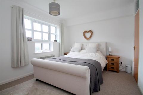 2 bedroom flat to rent - Emerald Quay, Shoreham-By-Sea