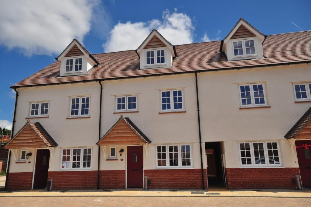 4 Bedrooms Detached House for rent in Cosford Road The Coppice ME15