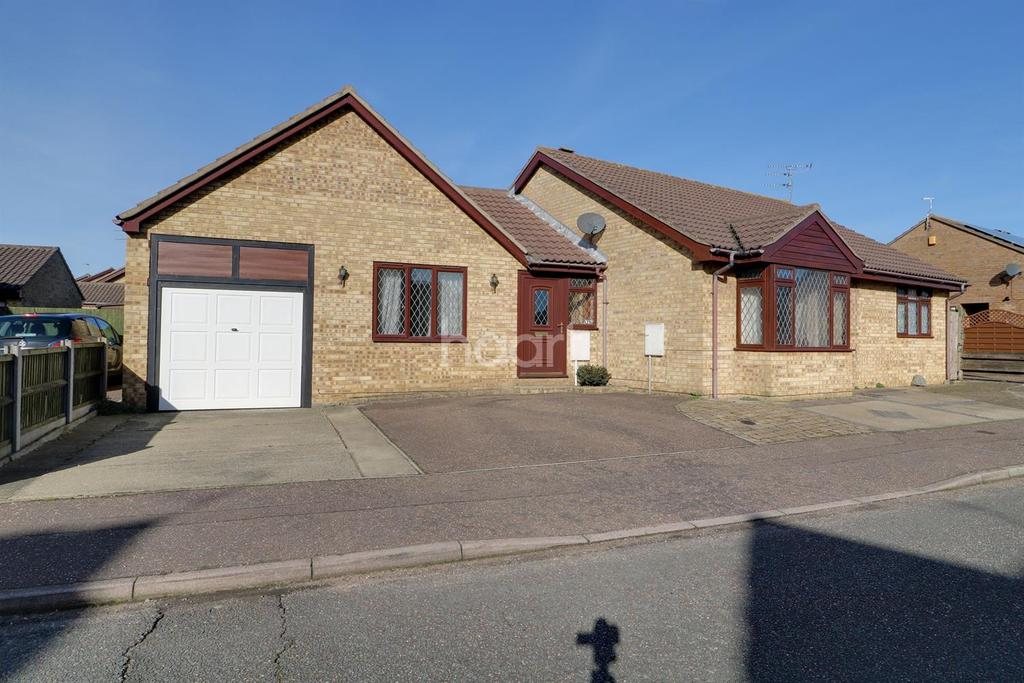 4 Bedrooms Bungalow for sale in Cormorant Way, Bradwell