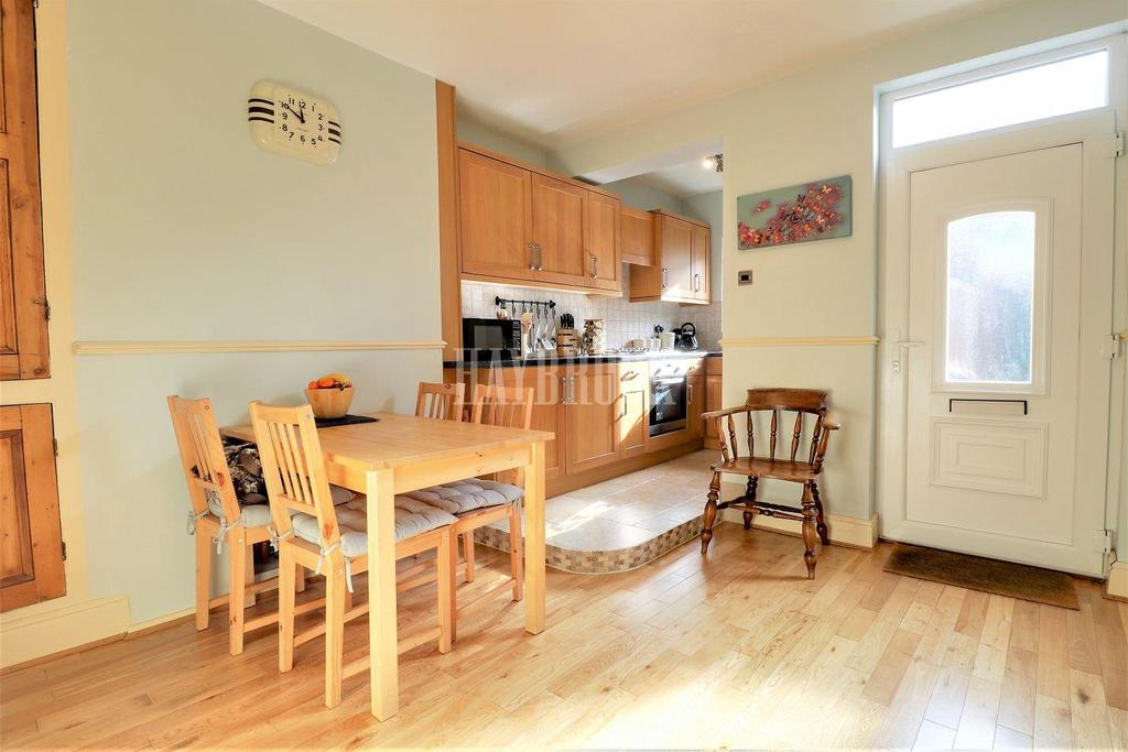 3 Bedrooms End Of Terrace House for sale in Providence Road, Walkley.