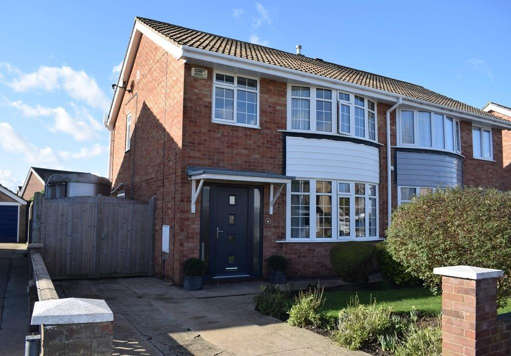 3 Bedrooms Semi Detached House for sale in Bolingbroke Road, Cleethorpes