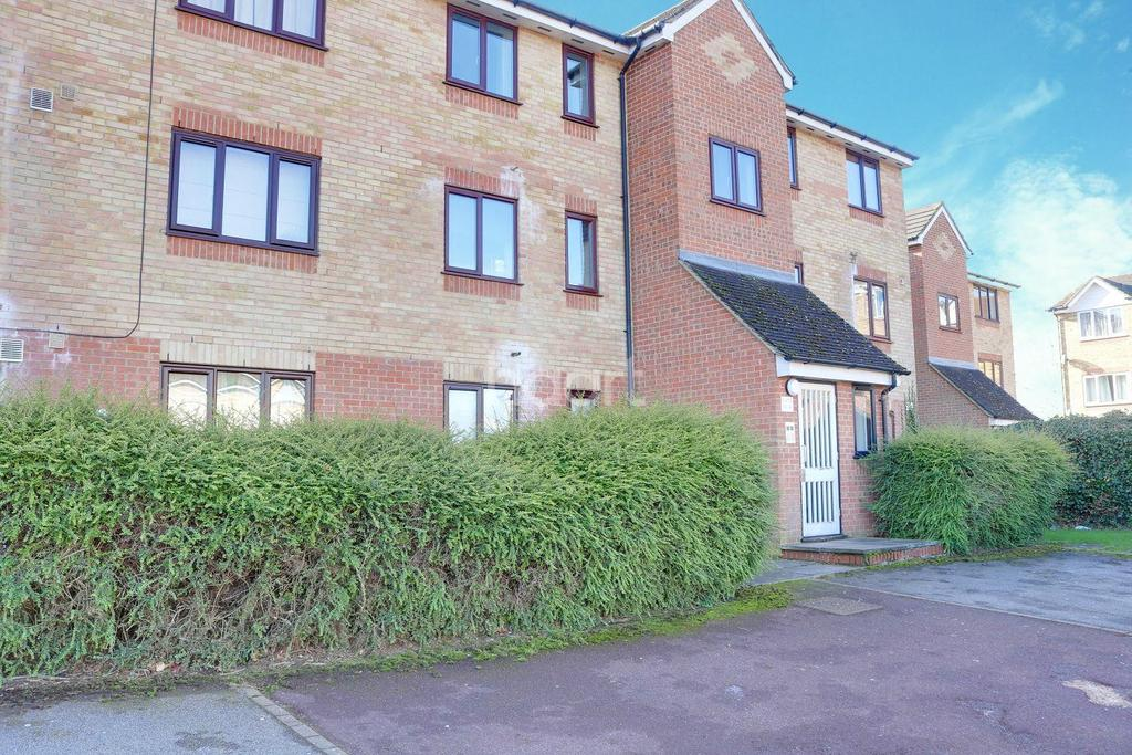 2 Bedrooms Flat for sale in Prestatyn Close, Stevenage Old Town
