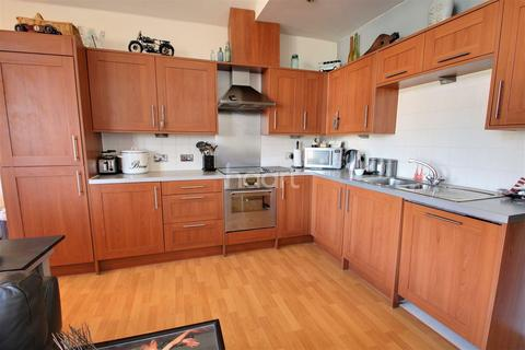 3 bedroom flat for sale - Rotary Way, Colchester.