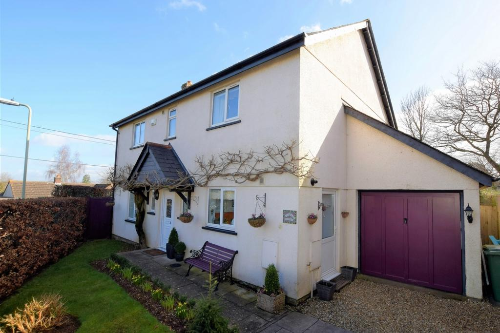 4 Bedrooms House for sale in Bate Close, Alphington, EX2