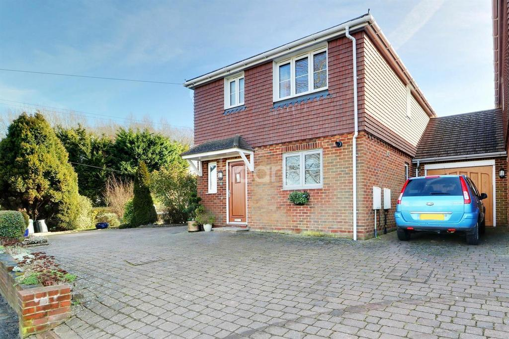 3 Bedrooms Detached House for sale in Pilgrims Way West, Otford
