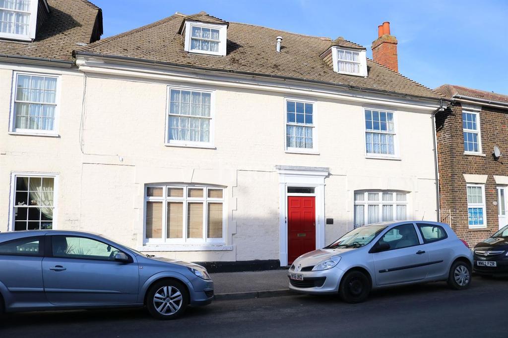 1 Bedroom Flat for sale in High street Queenborough