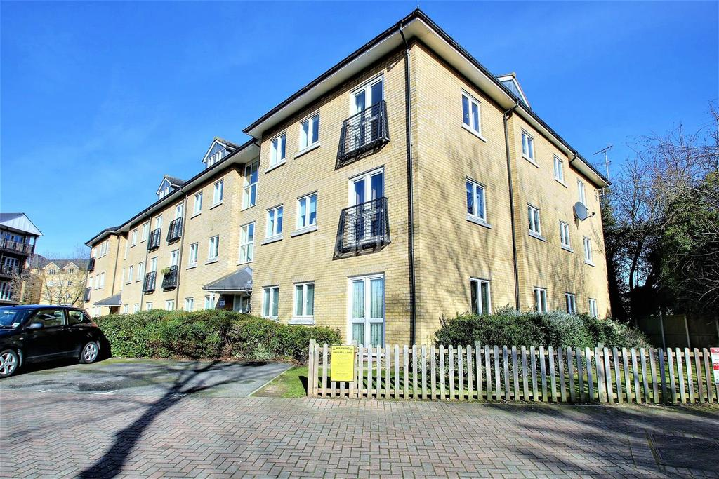 2 Bedrooms Flat for sale in Bloyes Mews, Colchester.