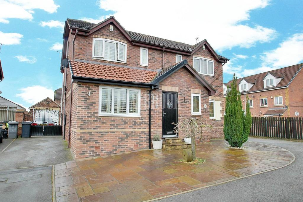 2 Bedrooms Semi Detached House for sale in Lincroft Drive, Parkgate
