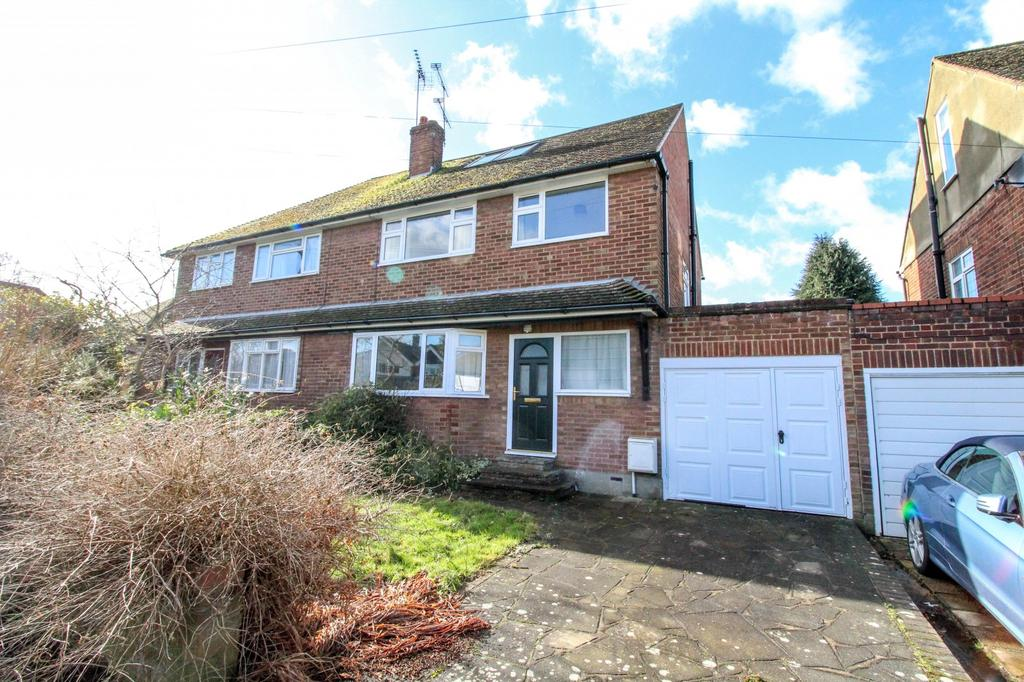 4 Bedrooms Semi Detached House for sale in St. Nicholas Grove, Ingrave, Brentwood, Essex, CM13