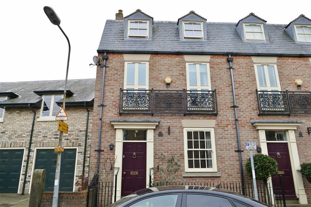 3 Bedrooms Town House for sale in Florent Court, Pocklington