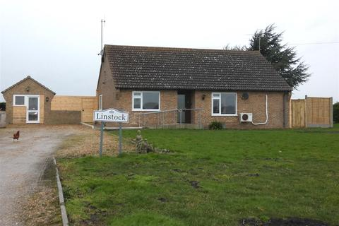 2 bedroom detached bungalow to rent - Main Drove, Little Downham