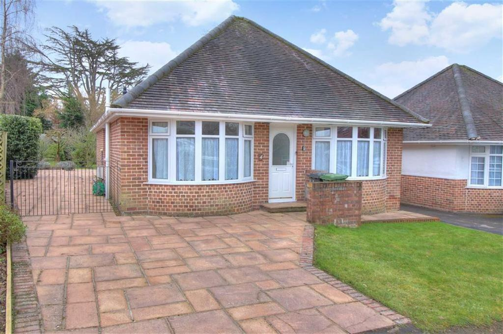 2 Bedrooms Detached Bungalow for sale in Kings Close, Chandlers Ford, Hampshire