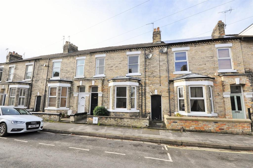 4 Bedrooms Terraced House for sale in St. Olaves Road, Bootham, York, YO30 7AL