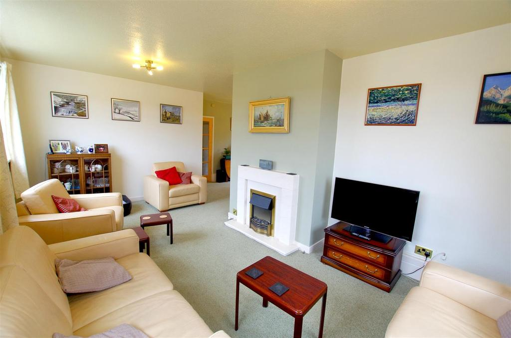 4 Bedrooms Link Detached House for sale in Cawcliffe Drive, Brighouse