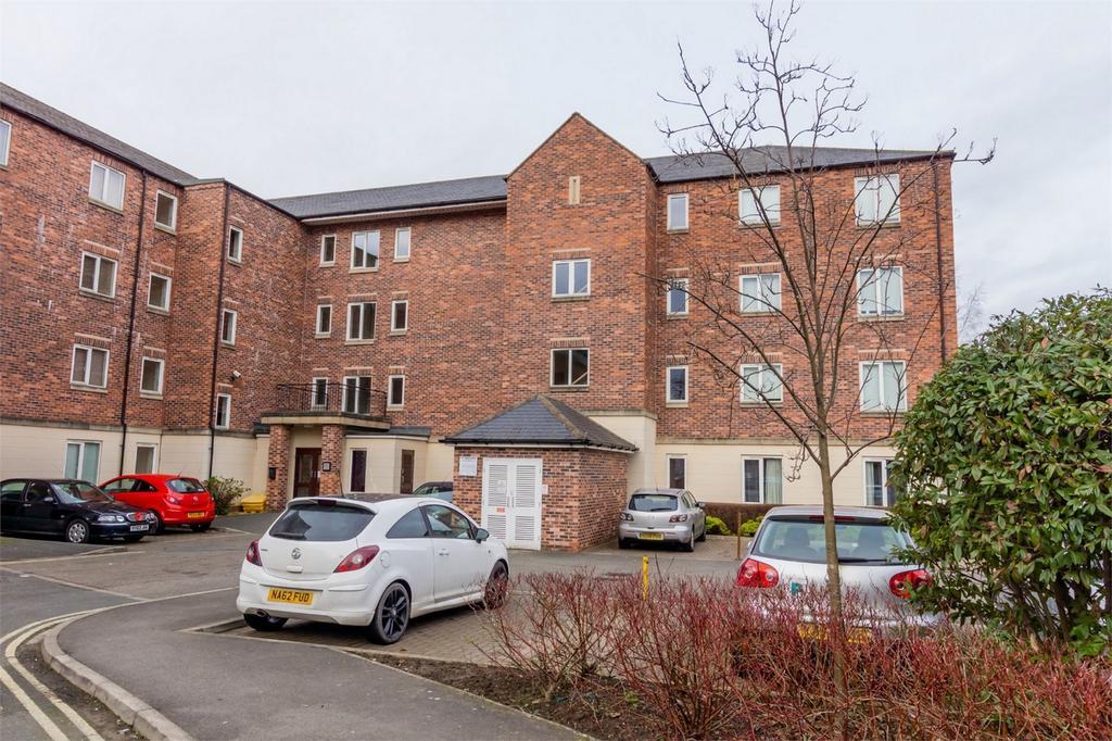 2 Bedrooms Flat for sale in Heron House, Brinkworth Terrace, Lawrence Street, York