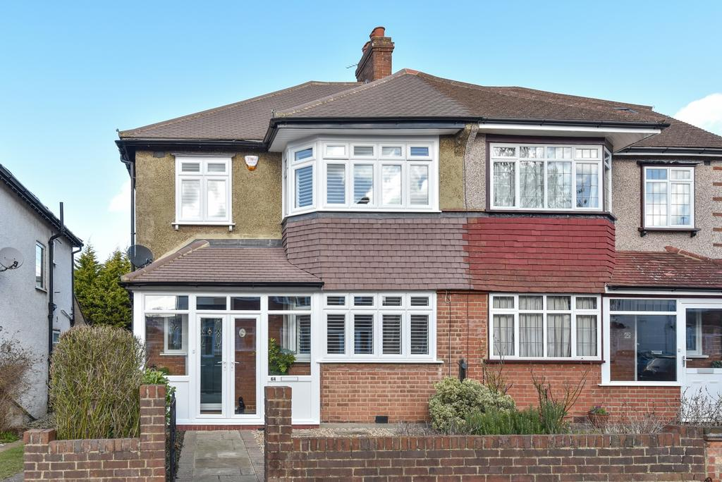 3 Bedrooms Semi Detached House for sale in Chessington Way West Wickham BR4