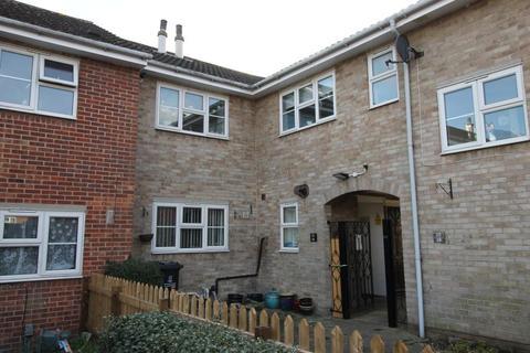 2 bedroom maisonette to rent - Balfe Court Colchester