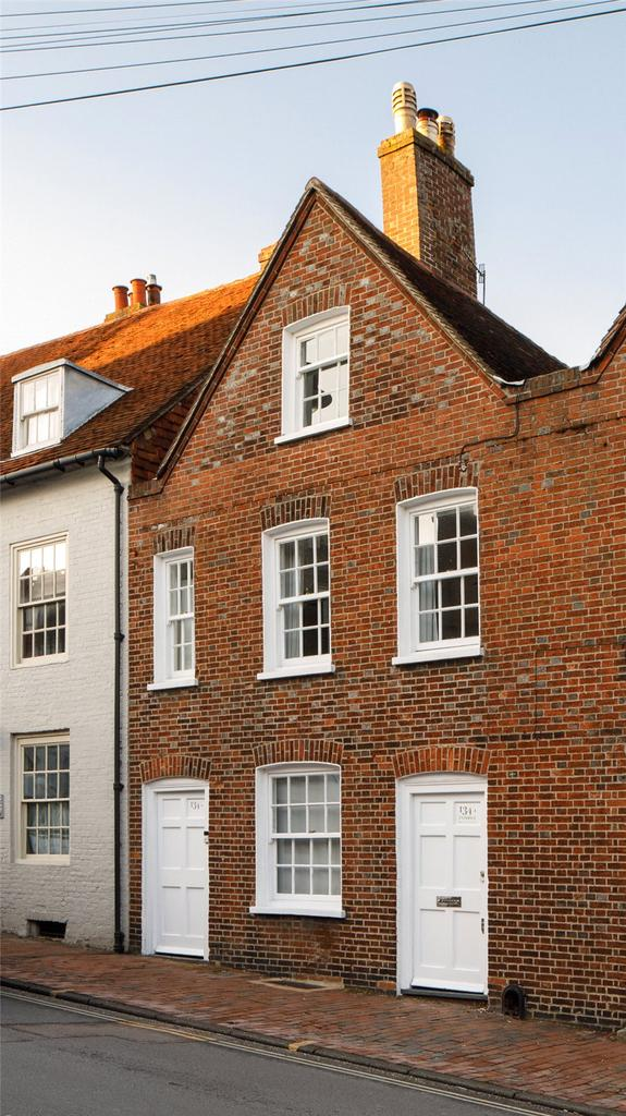 3 Bedrooms Terraced House for sale in High Street, Lewes, East Sussex, BN7