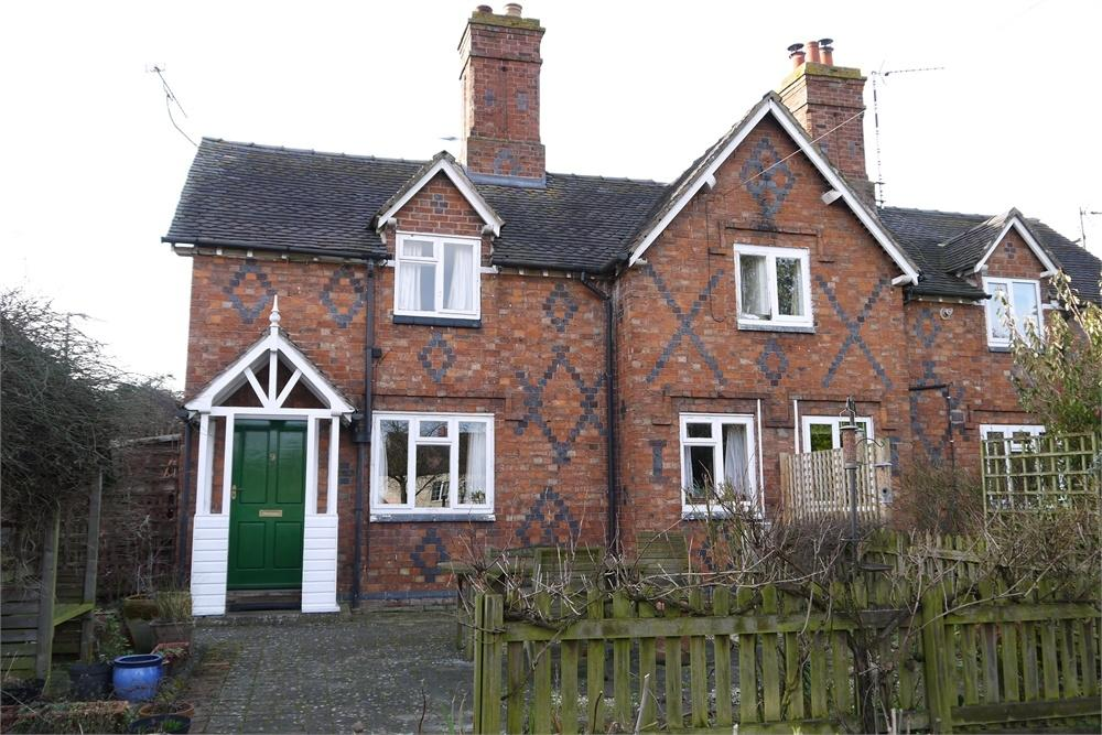 2 Bedrooms Semi Detached House for sale in Brook Street, Walcote, Lutterworth, Leicestershire