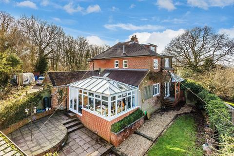 3 bedroom house for sale - Ewshot, Farnham, Hampshire