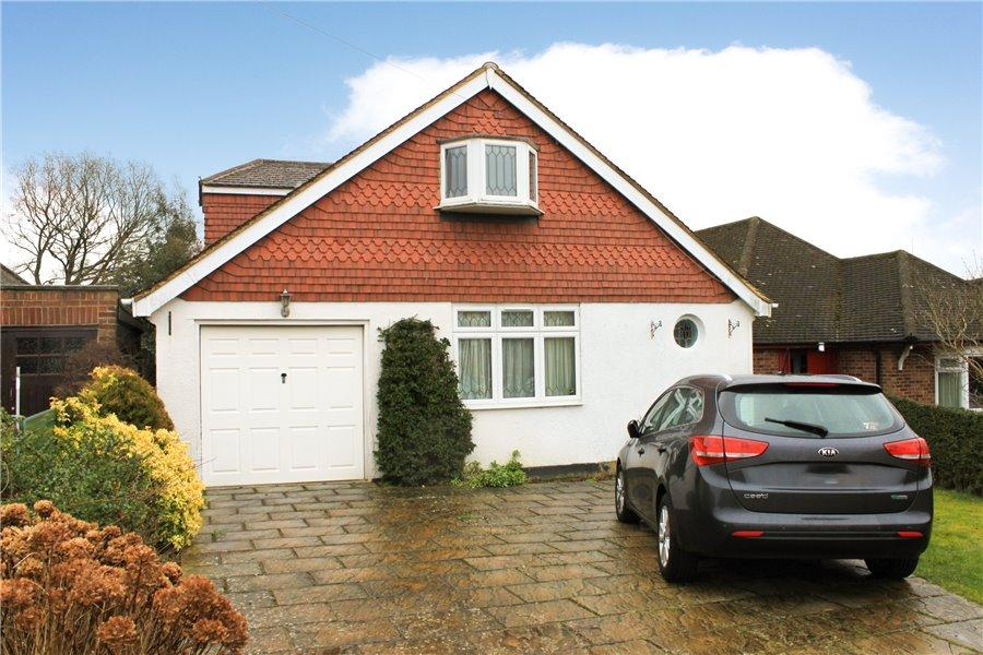 3 Bedrooms Detached House for sale in Latimer Close, Little Chalfont, Bucks HP6