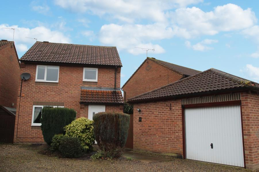3 Bedrooms Detached House for sale in NORTH LANE, WHELDRAKE, YORK, YO19 6BB