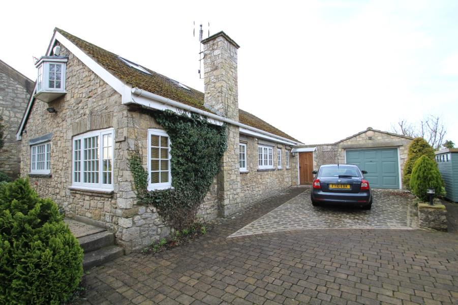 4 Bedrooms Detached Bungalow for rent in MAIN STREET, KIRK DEIGHTON, WETHERBY, LS22 4EB