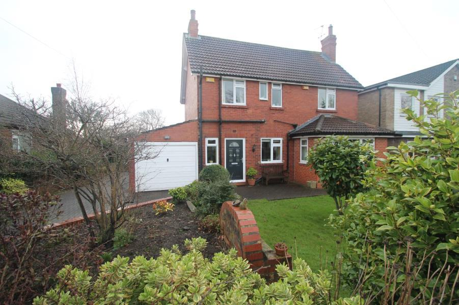 3 Bedrooms Detached House for sale in BOGS LANE, HARROGATE, HG1 4DY