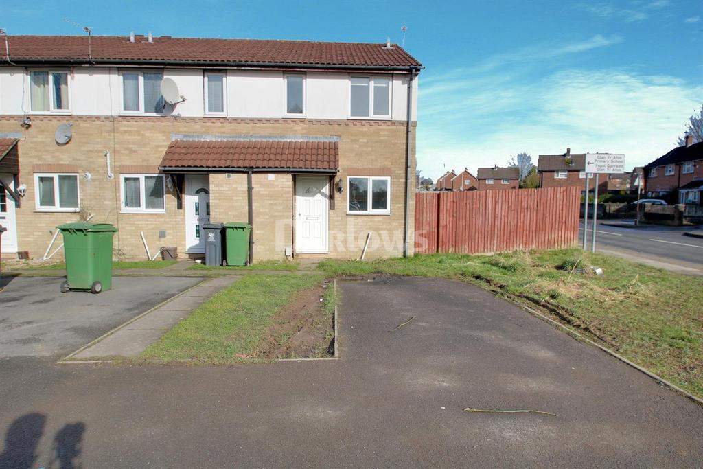 2 Bedrooms End Of Terrace House for sale in Laureate Close, Llanrumney, Cardiff