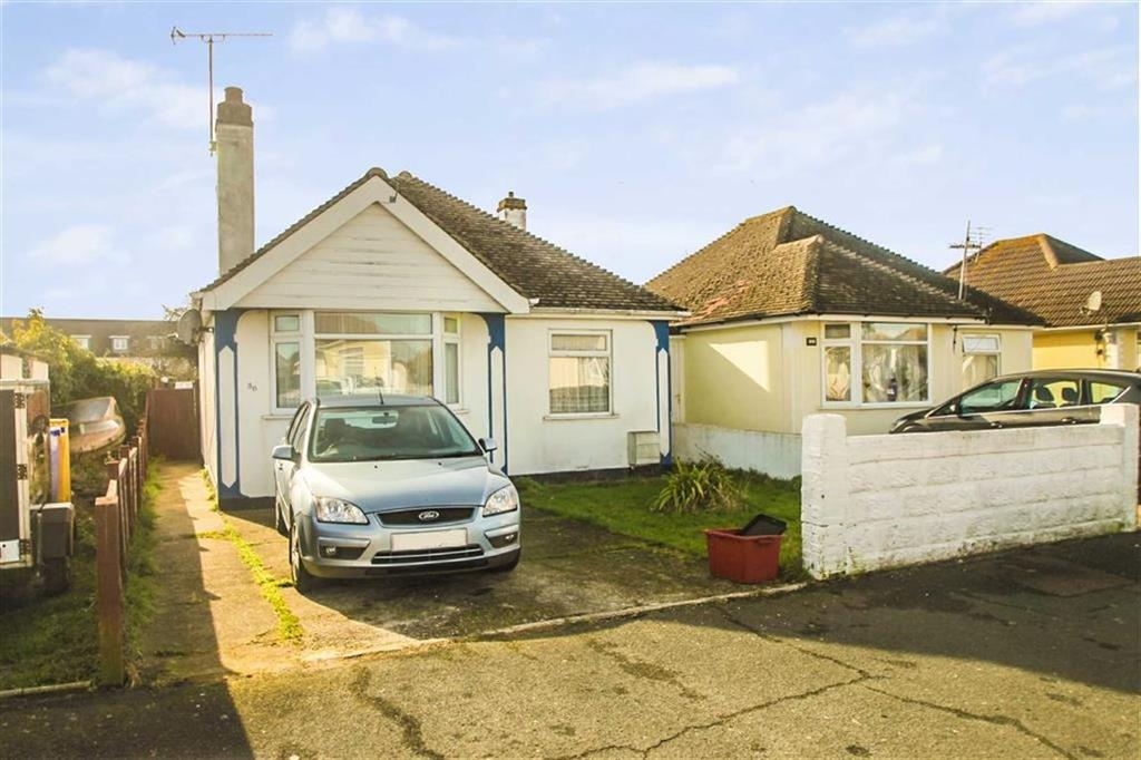 2 Bedrooms Detached Bungalow for sale in Balmoral Avenue, Clacton-on-Sea