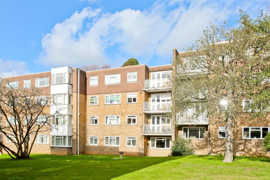 2 Bedrooms Flat for sale in London Road, Brighton